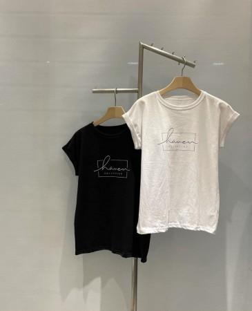 霓紅色調胸前Haven打造纖細手臂T恤